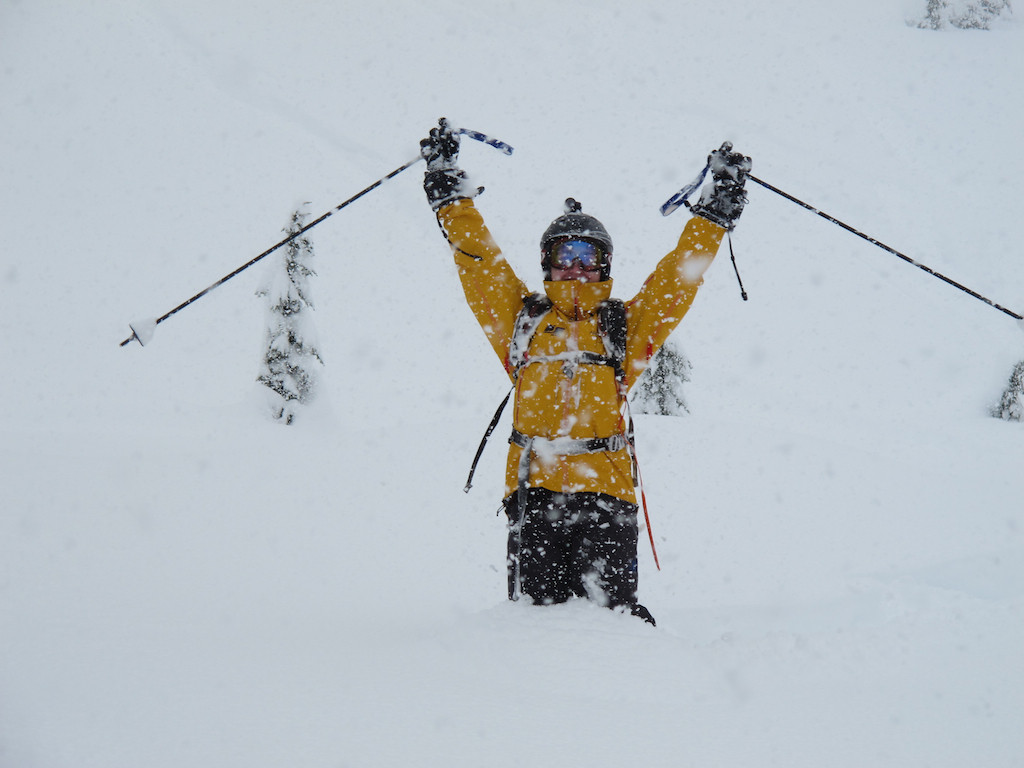Skier_Stoked_at_Bottom